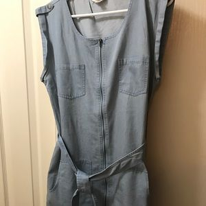 Chambray dress with belted waist!